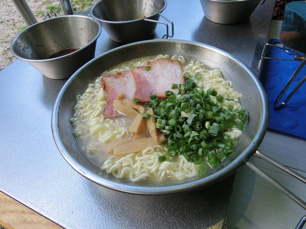 UFシェラカップ900で調理した袋麺_20170820