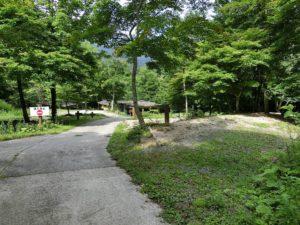キャンプ場内の道路_20170820