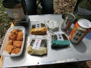 キャンプ場で昼食_20170826