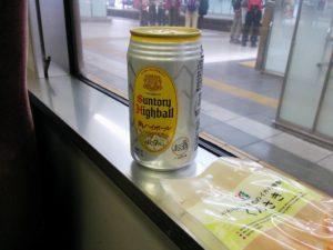 電車で角ハイボール_20170902