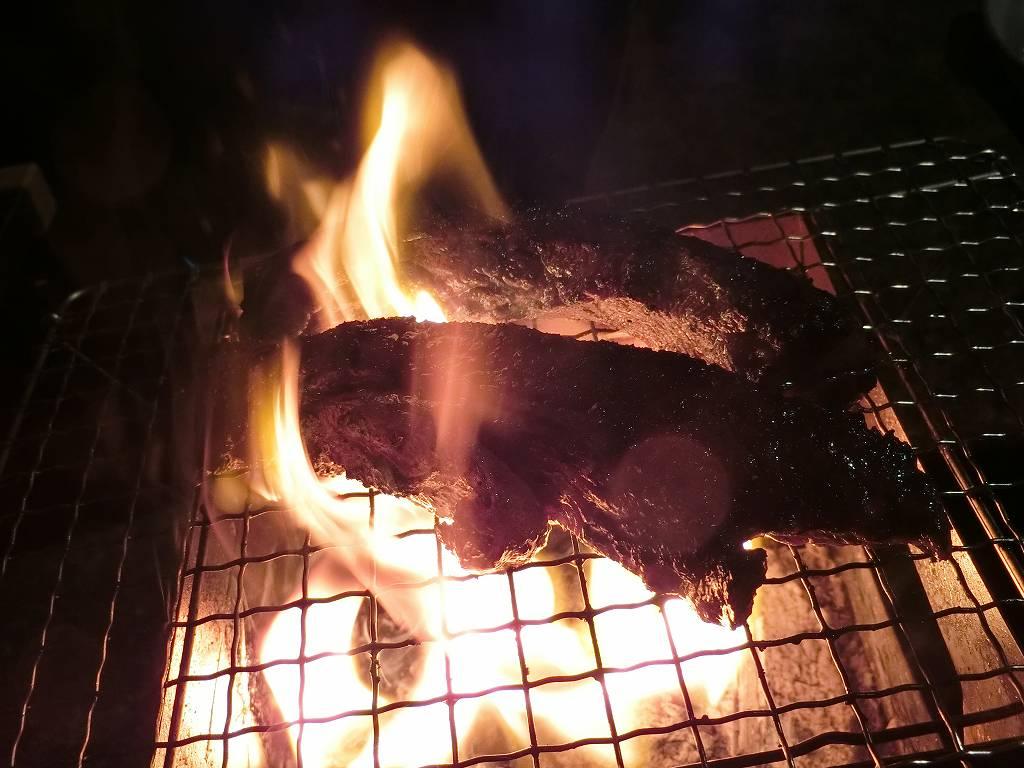 神石牛を炭火で焼く_2_171216