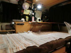 電気毛布を敷いた軽キャン_171223