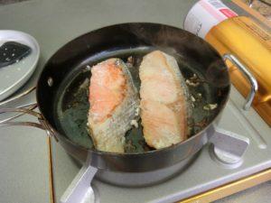 鮭を焼く_180121