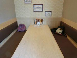 Joyfullの広いテーブル席_180428
