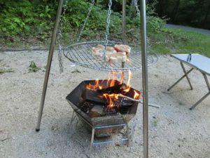 焚き火台とトライポッドで調理_1_180616