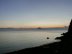 日の出前の海_180715