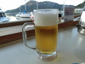 レストランで生ビール_180715