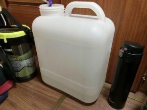 排水タンクにドレン水_180813