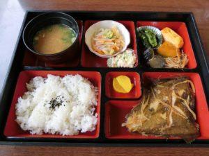 煮魚定食_税込700円_180909