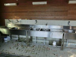桜山総合公園キャンプ場の炊事施設_181008