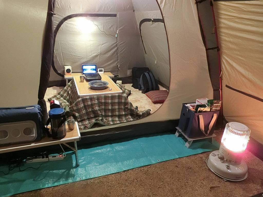 ツールームテントと内室のコタツ_181222