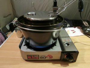 ダッチオーブンと上火ヒーターでローストチキンを作る_181223