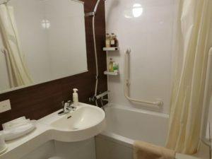 ホテルの浴室_181123