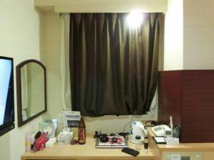 ホテルの部屋に設置したUSBライト_181124