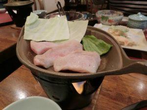 固形燃料で豚肉を焼く_181201