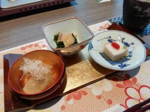 博多水炊きコースの小鉢三種_181219