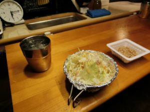夕食のサラダと納豆_190112