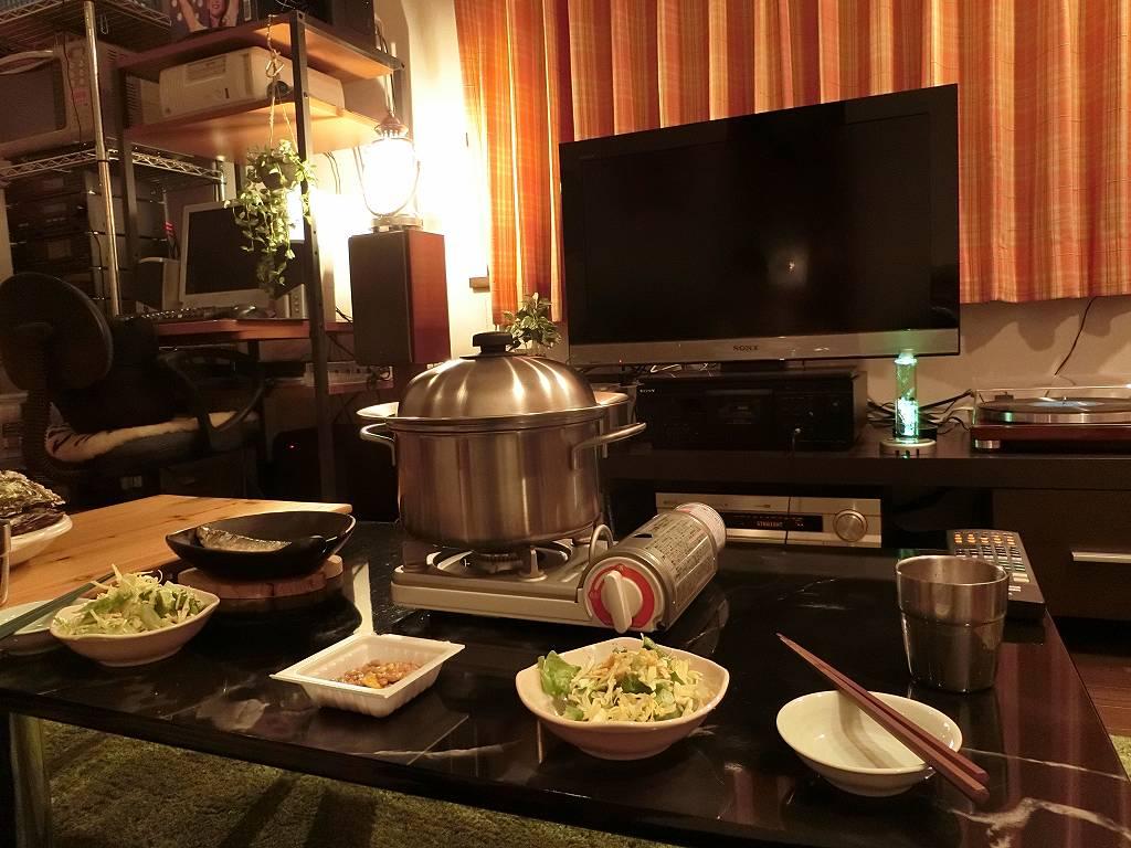 レコード部屋で夕食_190203