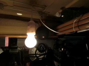 ダイソーのLED照明_190208