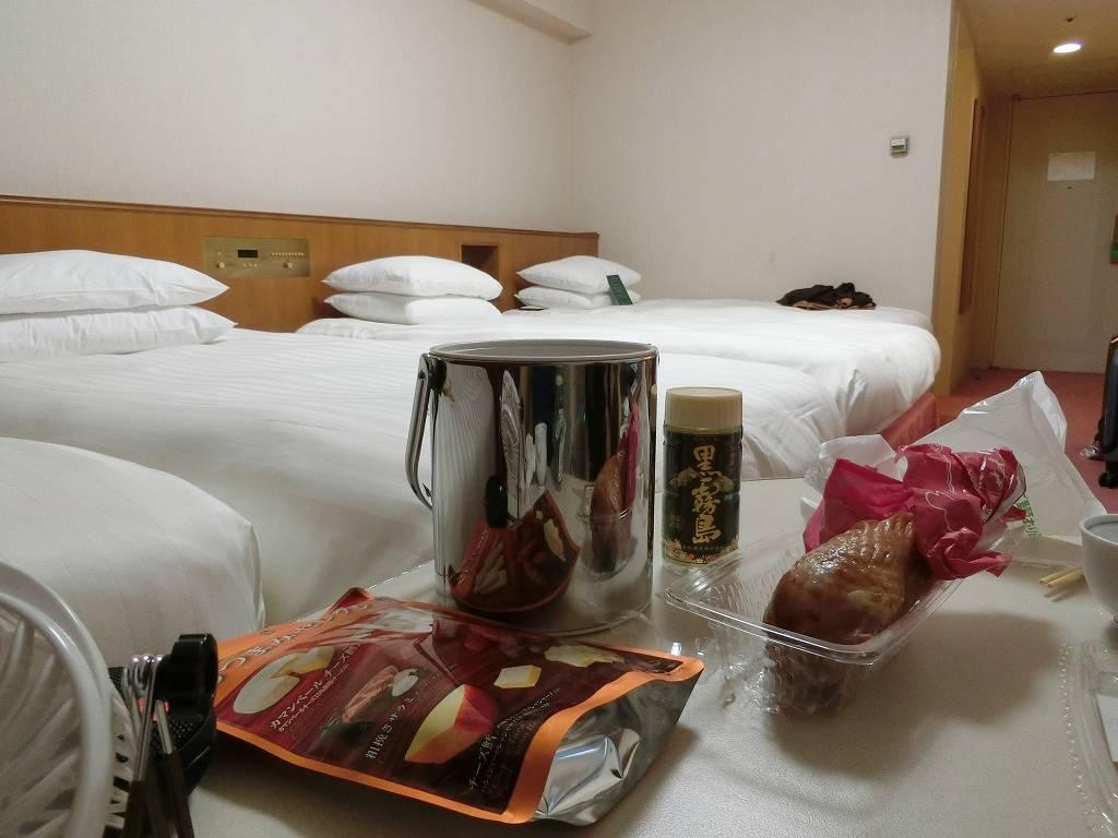 ホテルで部屋呑み_2_190606