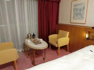 ホテルで部屋呑み_1_190607