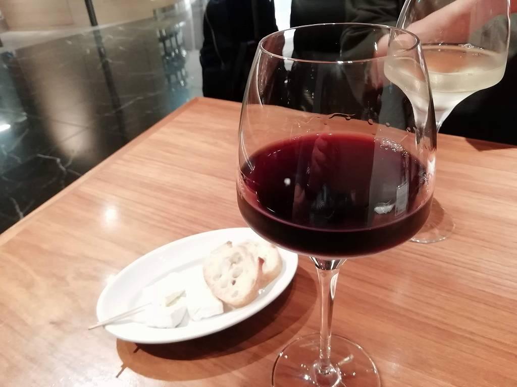 ワインショップ・エノテカ_グラスワインとチーズ_190608