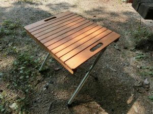木製フリーボードでテーブル_190803