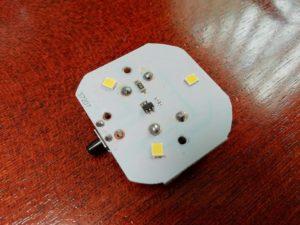 ダイソー電球型ライトを分解_1_190716