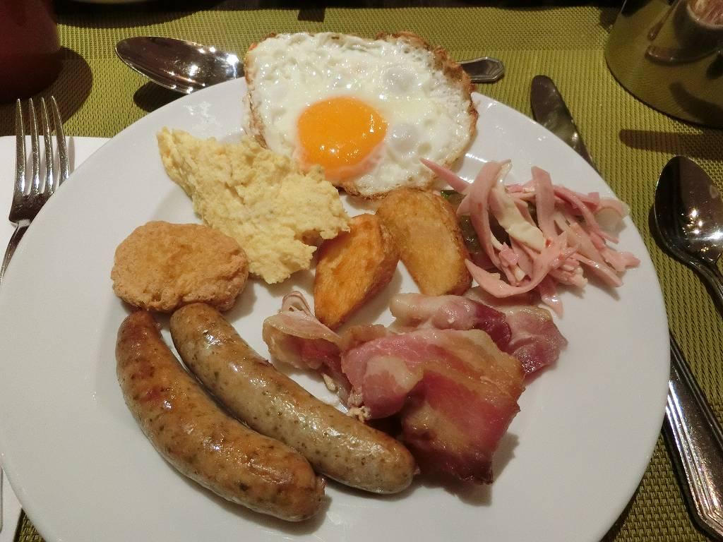 ホテルの朝食_1_191015