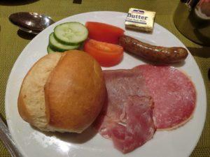 ホテルの朝食_2_191015